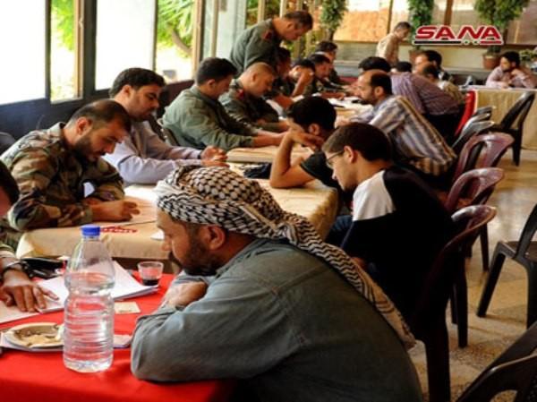 Hàng loạt phiến quân ở nam Damascus đầu hàng chính phủ, trở về cuộc sống đời thường