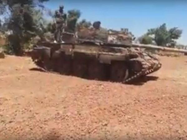 Phiến quân al- Nusra giao nộp vũ khí hạng nặng gần Cao nguyên Golan ảnh 1