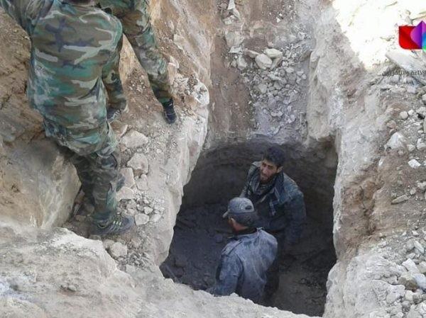 SAA phát hiện đường hầm chứa đầy vũ khí do Mỹ và Israel chế tạo