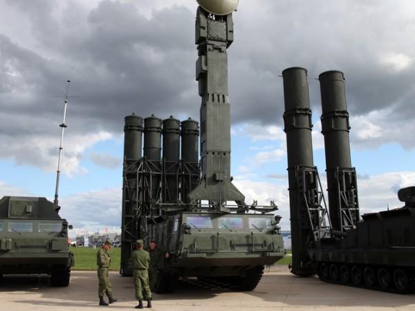Hệ thống phòng không S-300 của quân đội Nga