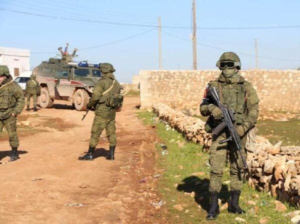 Chỉ trong 1 tháng, Nga phát hiện 3 kho vũ khí lớn của phiến quân ở Syria ảnh 1