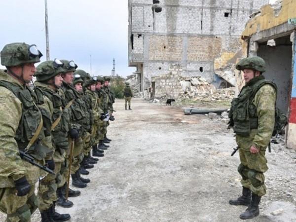 Binh sĩ quân đội Nga được triển khai đến tây bắc Syria