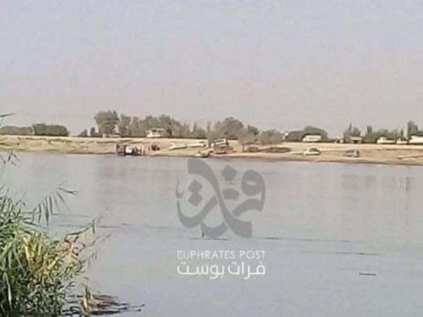 Bờ Tây sông Euphrates ở Syria