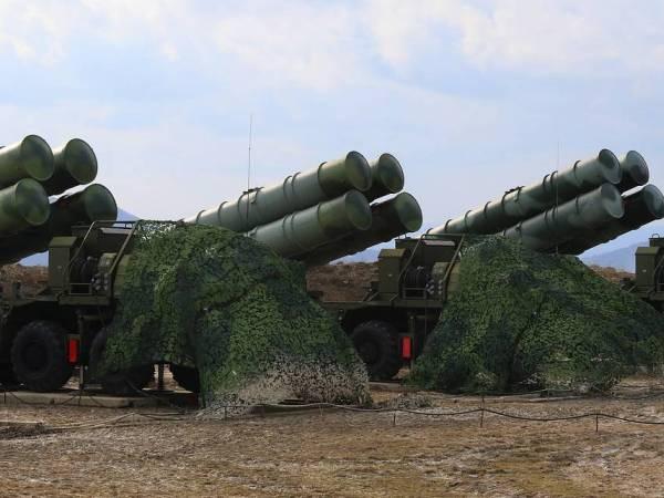 Hệ thống phòng thủ tên lửa S-400 Triumf