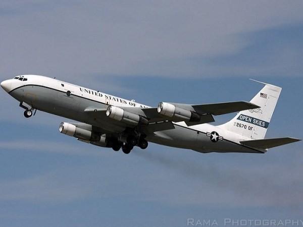 Máy bay giám sát Boeing OC-135B của Không quân Mỹ