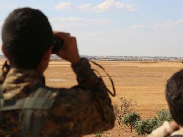 Lực lượng người Kurd đã thực hiện một cuộc tuần tra gần thị trấn biên giới với Thổ Nhĩ Kỳ, ngày 3-9-2019