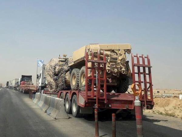 Đoàn xe chở thiết bị quân sự và hậu cần của Mỹ cấp cho người Kurd ở Syria