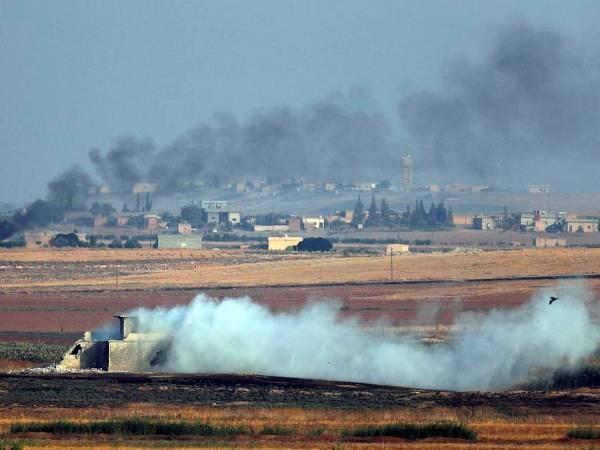 Khói bốc lên tại khu vực miền Bắc Syria