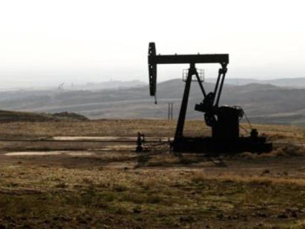 Lầu Năm Góc: Số tiền thu được từ các mỏ dầu ở Syria sẽ không đến Mỹ mà dành cho SDF ảnh 1