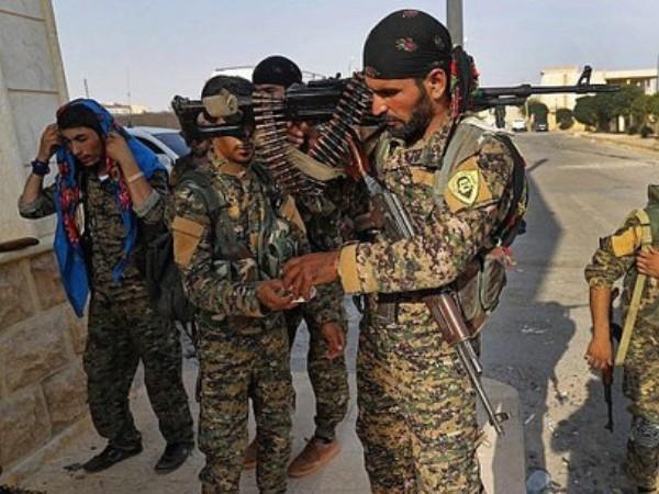 Các tay súng thuộc SDF do người Kurd đứng đầu hoạt động ở Syria