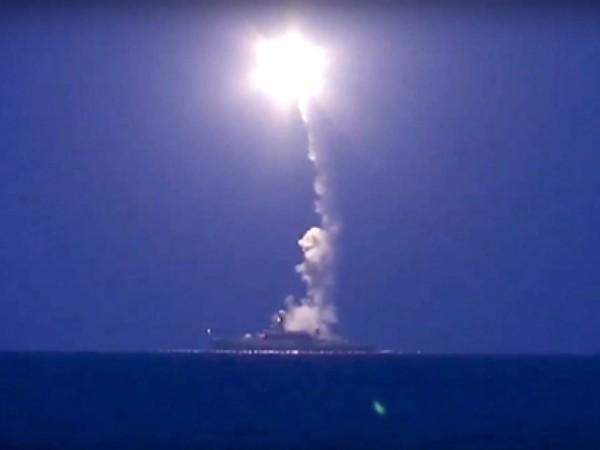 Một vụ phóng tên lửa của quân đội Nga vào thành trì quân thánh chiến ở Idlib