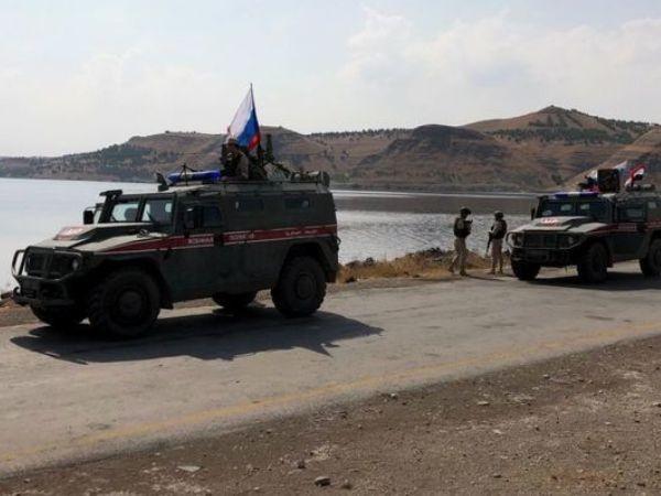 Xe của lực lượng tuần tra Nga tại khu vực biên giới Syria - Thổ Nhĩ Kỳ