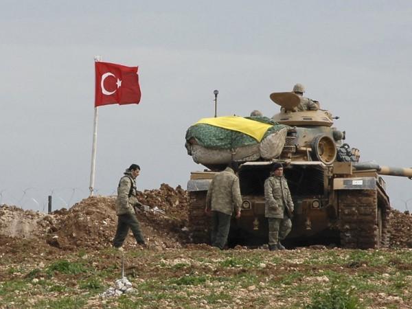 Quân đội Thổ Nhĩ Kỳ ở biên giới giáp với Syria