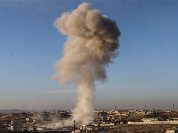 Khói trắng bốc cao sau một cuộc tấn công của quân đội Syria nhằm vào phiến quân ở Idlib, ngày 3-2-2020