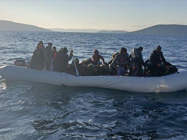 Một nhóm 60 người lênh đênh trên thuyền ngoài khơi Aegean được Thổ Nhĩ Kỳ giải cứu, ngày 7-3-2020