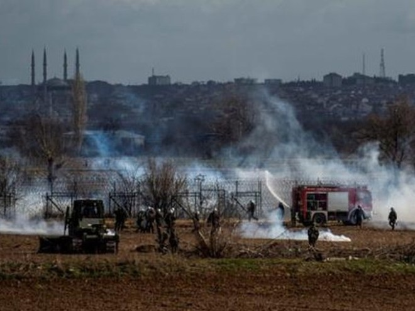 Hy Lạp từ chối tiếp nhận gần 1.000 người tị nạn ở biên giới với Thổ Nhĩ Kỳ ảnh 1