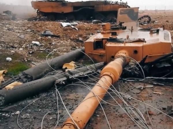 Một chiếc xe tăng Leopard của Thổ Nhĩ Kỳ bị phá hủy ở Syria