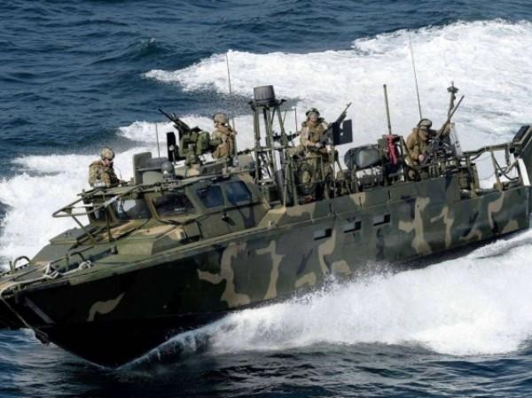 Đặc nhiệm Nga diễn tập tiêu diệt nhóm biệt kích ngoài khơi Syria