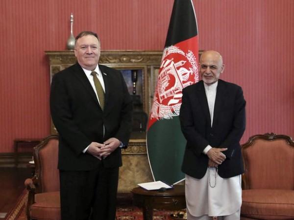 Ngoại trưởng Mỹ Mike Pompeo (trái) và Tổng thống Afghanistan Ashraf Ghani tại Dinh Tổng thống ở Kabul, Afghanistan, ngày 23-3-2020