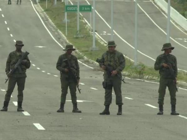 Venezuela huy động lực lượng, sẵn sàng cho cuộc đối đầu tiềm năng với Mỹ ảnh 1