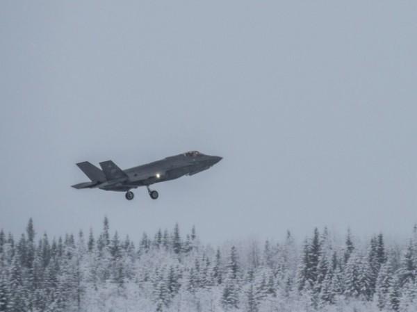 Mỹ điều chiến đấu cơ F-35A đến Bắc Cực, áp sát Nga ảnh 1