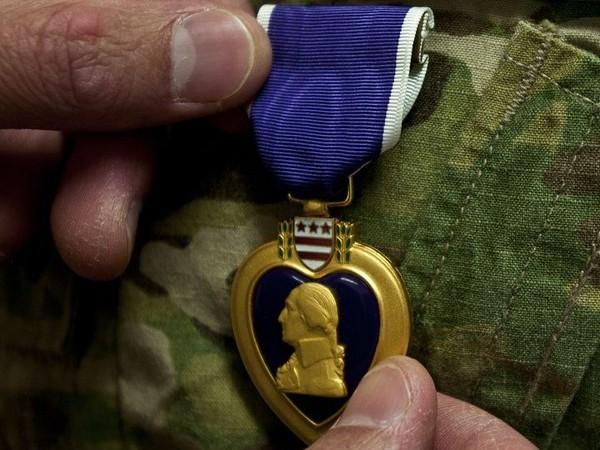 Lính bị thương trong vụ Iran tấn công căn cứ Mỹ ở Iraq sẽ được nhận huy chương Purple Heart ảnh 1