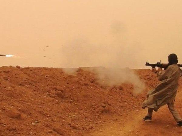 SAA tại Euphrates bất ngờ bị dính hỏa lực cực mạnh từ đợt tấn công quy mô lớn ảnh 1