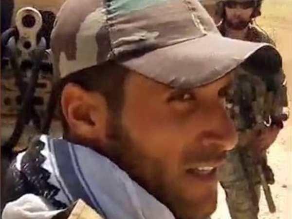 Ảnh người lính Syria yêu cầu lực lượng Mỹ rời khỏi đất nước ngay lập tức