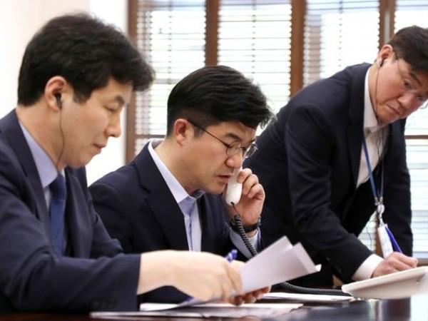 Triều Tiên bất ngờ tuyên bố ngắt các đường dây nóng liên lạc với Hàn Quốc