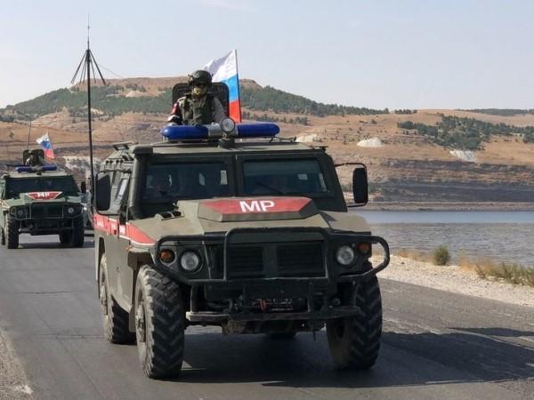 Lực lượng quân cảnh Nga tuần tra ở tỉnh Idlib, Syria