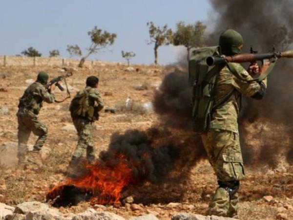 SAA và phiến quân thân Thổ Nhĩ Kỳ tấn công đáp trả nhau dữ dội ở Đông Syria ảnh 1