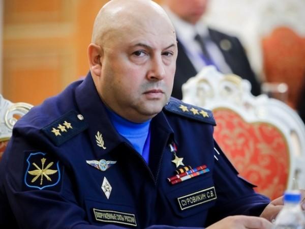 Chỉ huy lực lượng hàng không vũ trụ Nga, ông Sergei Surovikin