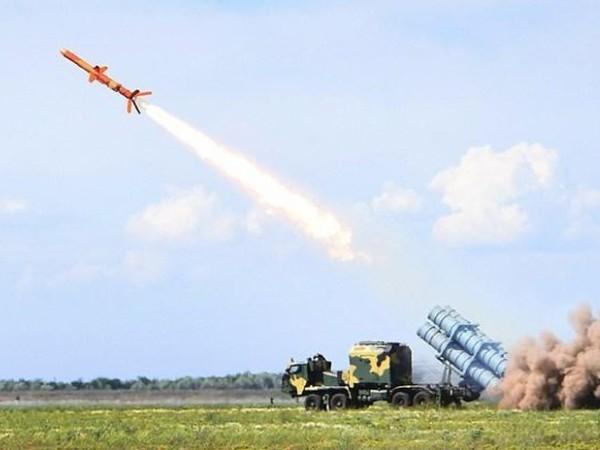 Ukraine phóng thử thành công tên lửa R-360 Neptune
