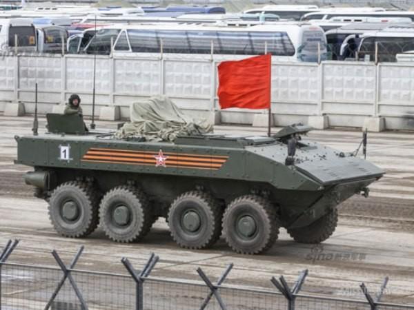 Xe bọc thép chở quân Boomerang của Nga