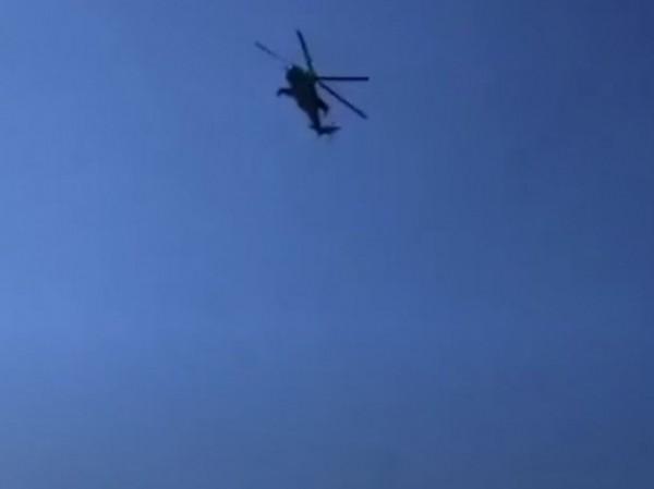 Máy bay trực thăng của quân đội Nga được nhìn thấy trên bầu trời Armenia, ngày 15-7-2020
