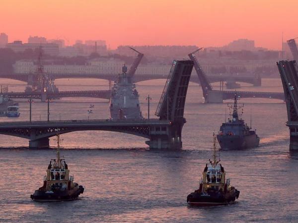 Hàng trăm tàu chiến sẽ tham gia cuộc diễu binh nhân ngày Hải quân trên khắp nước Nga