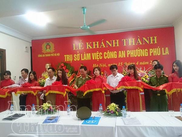 Các đại biểu cắt băng khánh thành trụ sở CAP Phú La