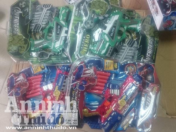 Thu giữ gần 500 súng đồ chơi nguy hiểm tuồn vào thị trường Hà Nội cận Trung thu ảnh 3