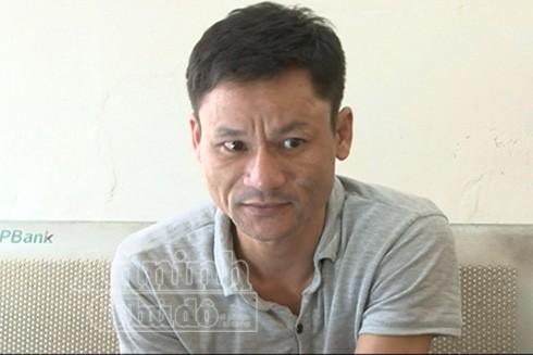 Ngay sau khi cầm điện thoại của du khách người Na Uy, Phan Văn Hiệu nhấn ga bỏ chạy