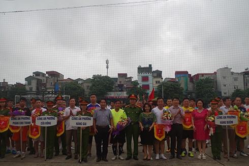 Giải bóng đá mini CAQ Hoàn Kiếm mùa giải năm nay thu hút gần 300 CBCS tham gia