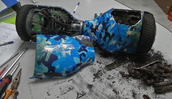 Theo các chuyên gia nhận định, xe điện tự cân bằng phát nổ là do chập và cháy pin
