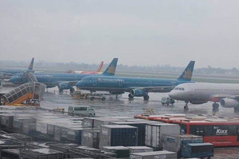 Nhiều chuyến bay bị hủy do lo ngại ảnh hưởng của bão Usagi
