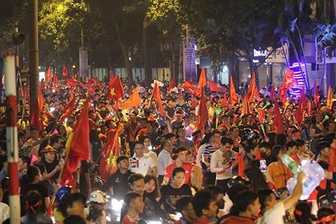Nguy cơ xảy ra biểu tình tại Kuala Lumpur, do vậy, Đại sứ quán Việt Nam tại Malaysia khuyến cáo các cổ động viên