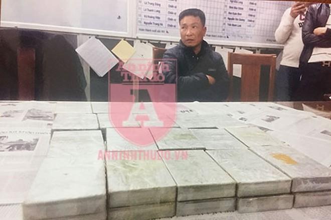 """CAQ Hoàn Kiếm đã triệt xóa đường dây mua bán ma túy """"khủng"""" từ Sơn La đi Thái Nguyên do đối tượng Nguyễn Hữu Chuyền cầm đầu, thu giữ 79 bánh heroin"""