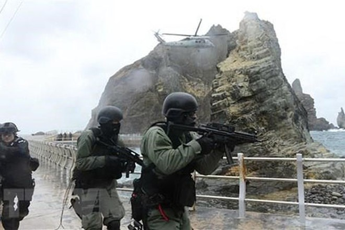 Hải quân Hàn Quốc tham gia một cuộc tập trận. (Ảnh: AFP/TTXVN)