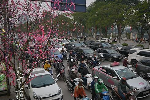 Kinh hoàng áp lực giao thông ngày Tết