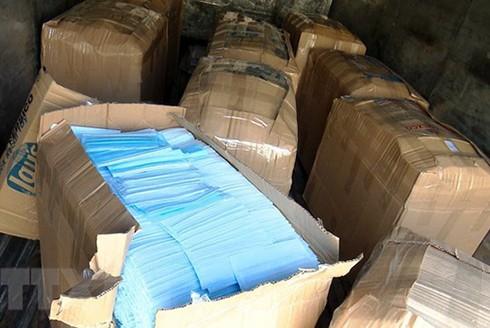Toàn bộ số khẩu trang được các đối tượng mua gom ở Việt Nam để bán sang Trung Quốc