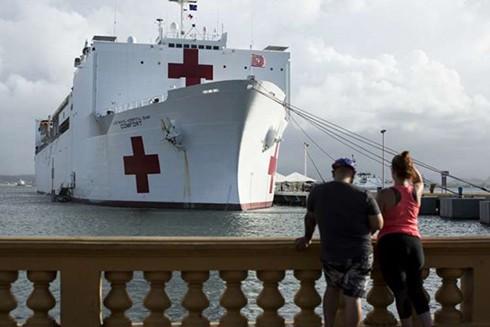 Tàu bệnh viện quân sự với 1.000 giường bệnh (Nguồn: The New York Times)
