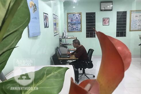 """Ông là 1 trong 280 bác sĩ đăng ký tình nguyện tham gia chống dịch Covid-19 theo lời phát động của Thủ tướng Chính phủ Nguyễn Xuân Phúc """"Chống dịch như chống giặc"""""""