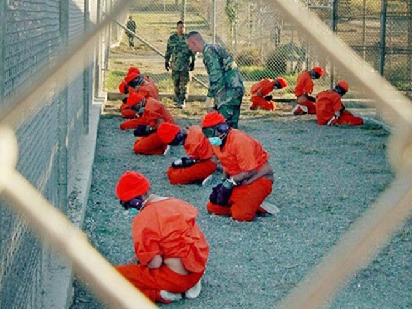 """Tổng thống Obama bị """"nhắc nhở"""" giữ lời hứa đóng cửa nhà tù Guantanamo ảnh 1"""